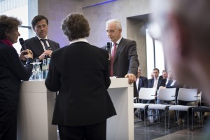 Rechts Ministerpräsident Stanislaw Tillich links Landtagspräsident Matthias Rößler. Bei manchen Aussagen Rößler machte Tillich den Eindruck, dass es selbst ihm zu weit geht
